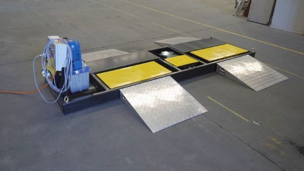 The VIS-Check: Road Simulator is ideal for service centers, suspension and alignment shops, fleets, or any business servicing suspension and steering components of commercial vehicles. - Photo: Vehicle Inspection Systems