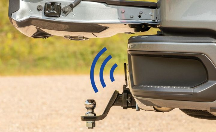 The Curt tailgate sensor is engineered for an easy, no-splice installation, while retaining full use of the truck's hitch. - Photo: Curt Manufacturing
