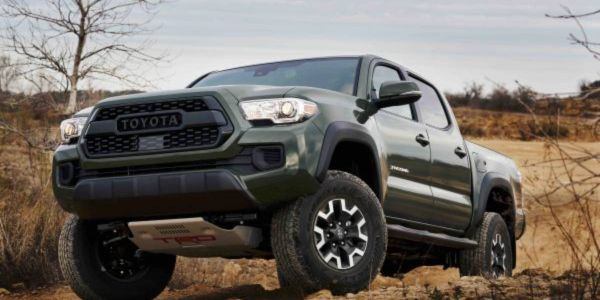 The lift kit provides Tacoma V6 4×4 models with two-inch front lift and one-inch rear lift.