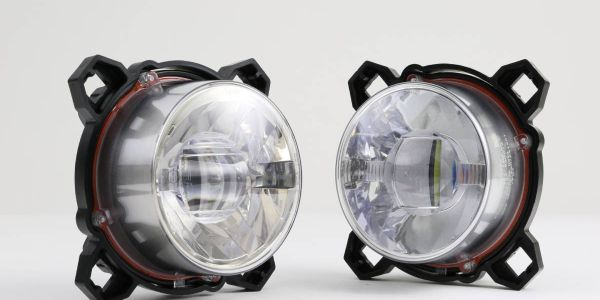 Designed for heavy-duty applications, these FMVSS 108- and ECE-compliant, street-legal lights...