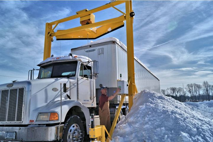 Designed for safe, efficient, low-maintenance operation in the harshest of winter conditions, Scraper Systems FleetPlows solve the problem of clearing rooftop snow from fleets in all sectors of the transportation industry. - Photo:Scraper Systems