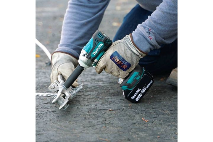 18V LXTbrushless 4-speed mid-torque 1/2 in.sq. drive utility impact wrench w/ detent anvil (XWT15XVZ) - Photo: Makita