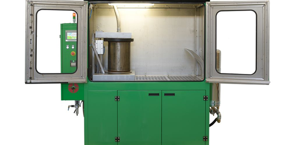 The Flash Cleaner utilizes air, liquid, and thermal cleaning systems.