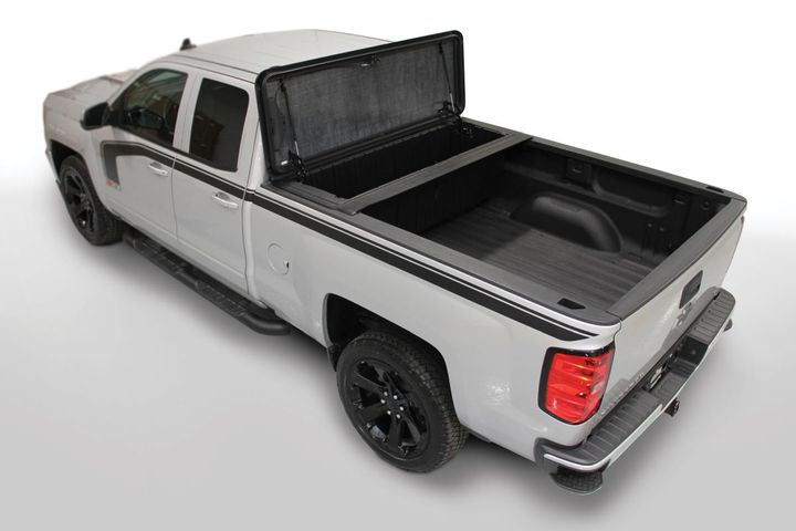 The Stowe Strong Box comes with integrated features to facilitate the attachment of an optional Stowe Tonneau cover.  - Photo: Stowe Cargo Systems