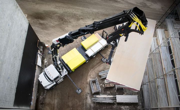 The 42684 offers the highest capacity in IMT's line of hydraulic loader cranes.  - Photo courtesy of IMT