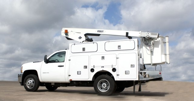 One lightweight upfit offered by BrandFX incudes a standard 9-foot Telecom Aerial Body with Top Box and Tailshelf Option and Versalift Tel29 aerial apparatus. (PHOTO: BrandFX) -