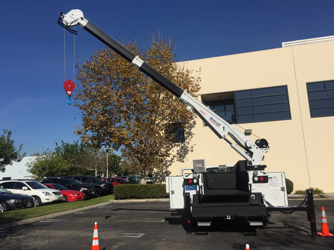 The Stellar 7621 Telescopic Service Crane was mounted on a Stellar service body and constructed by Pomona, Calif.-based Phenix Enterprises.
