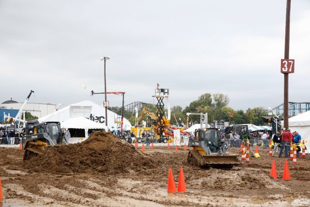 The ICUEE show features hands-on demonstrations of utility and construction equiment both on the show floor and in the demo zone. (Photo: ICUEE) -