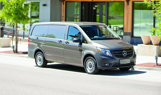 Mercedes-Benz  Launches 2016  Metris Mid-Size Van