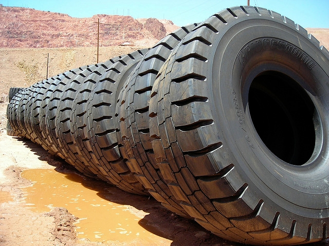 How to Maximize Commercial Truck Tire Life