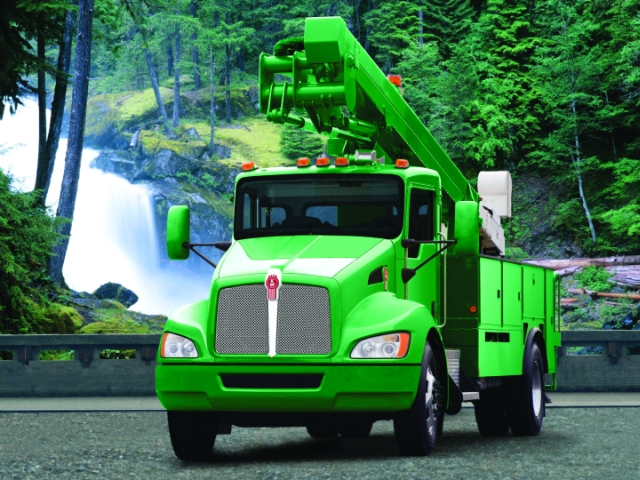 Popular with utility fleets, the Kenworth T440 is available with a Cummins ISL-G Natural Gas Power engine. -