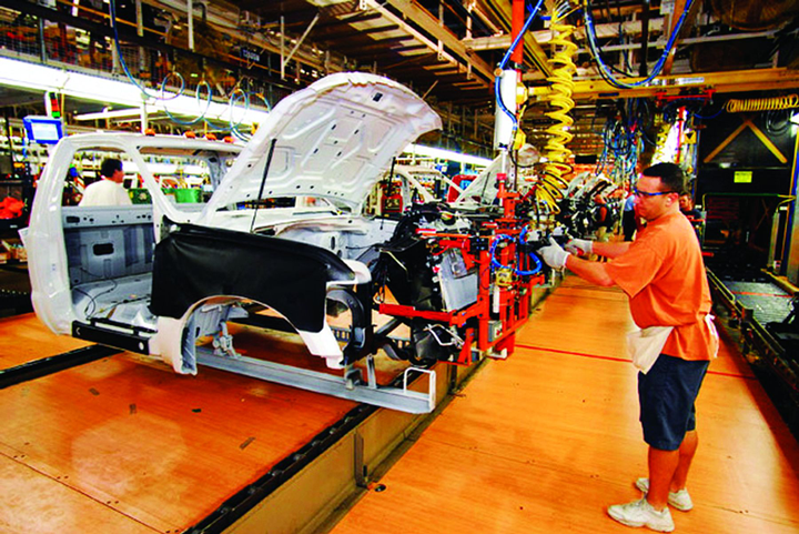 As materials and manufacturing methods become more sophisticated, the experts don't see one lightweight material becoming the clear-cut winner. The future of any material - plastic, fiberglass, high-strength steel, or carbon fiber - depends on two factors: high performance and low cost. For fleet managers considering a lightweight material, they should evaluate it based on drive cycle, lifecycle, and its cost-benefit. -