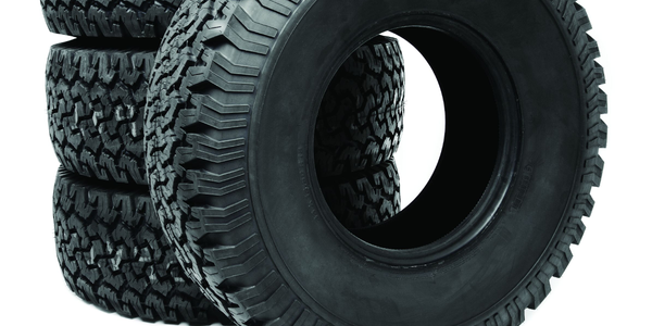 How to Select the Right Tires for Medium-Duty Truck Applications