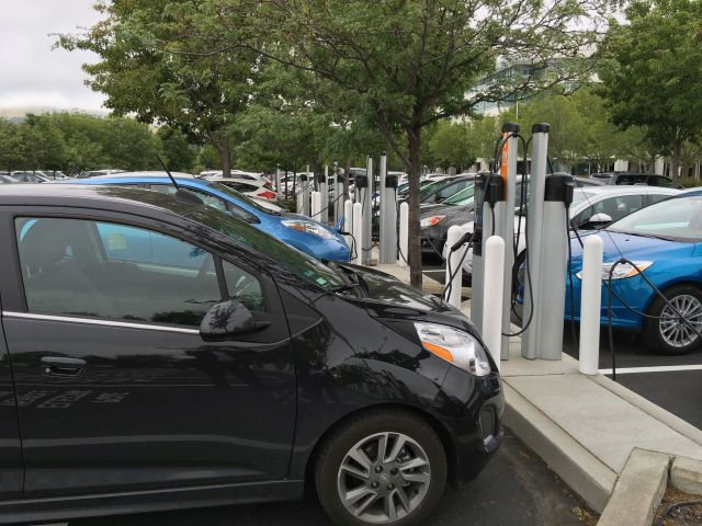 PG&E Bolsters Employee Electric Vehicle Adoption