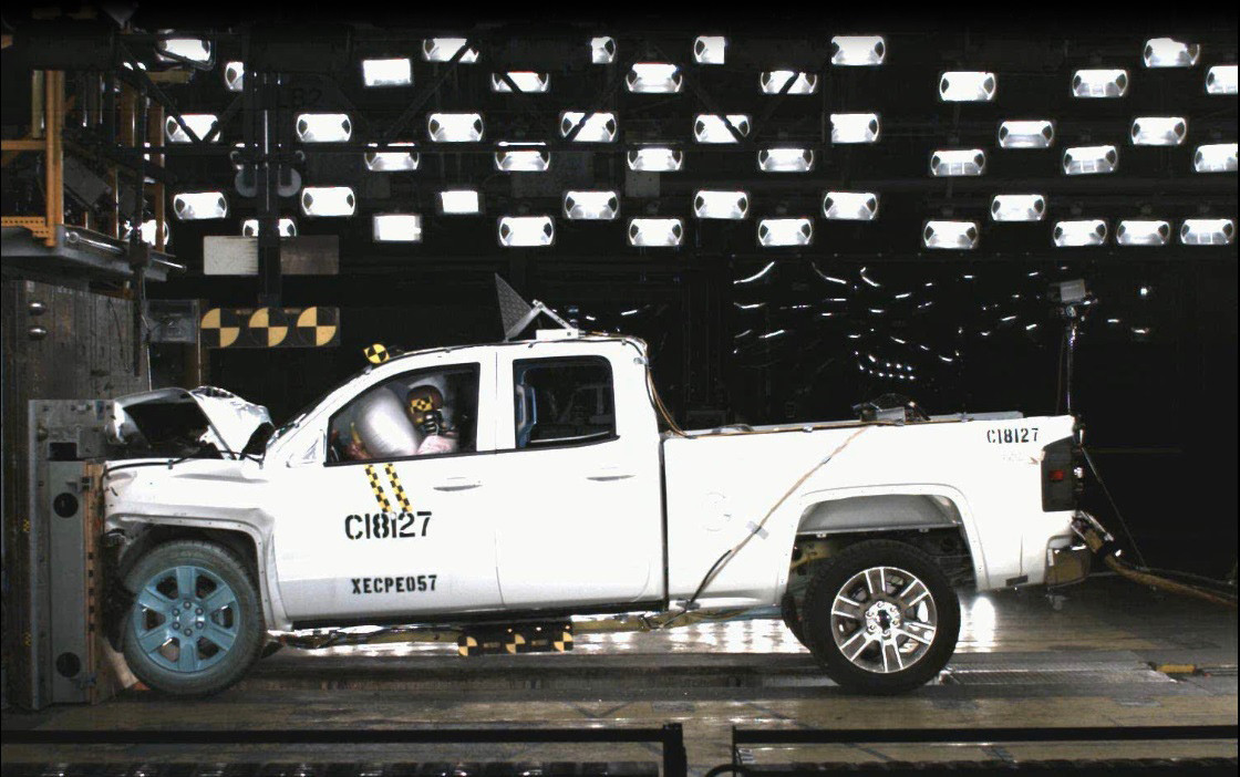 2014 Silverado and Sierra Light-Duty Trucks Earn Top Safety Ratings