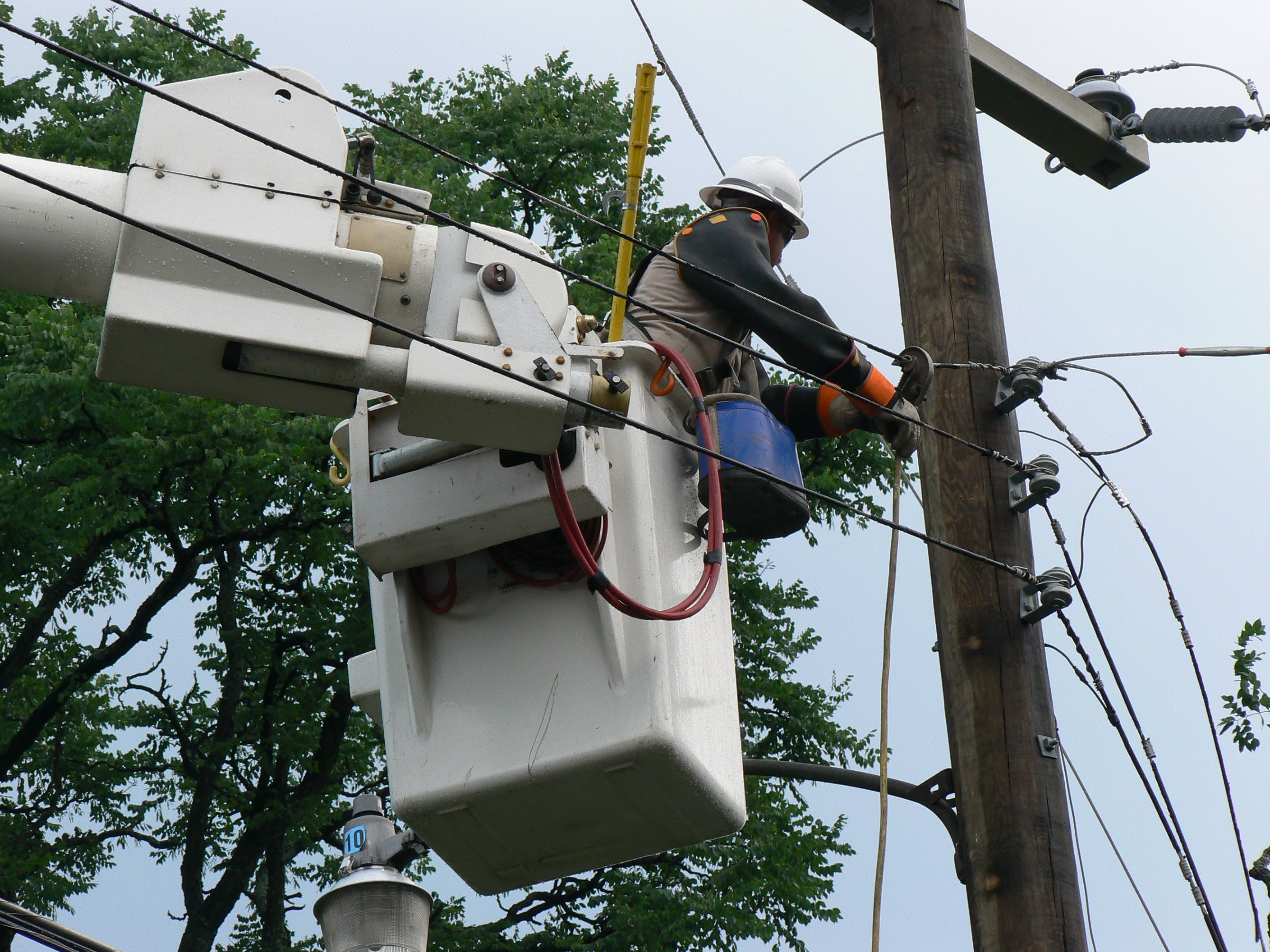 Lineman in ICU After Boom Disconnects from Truck