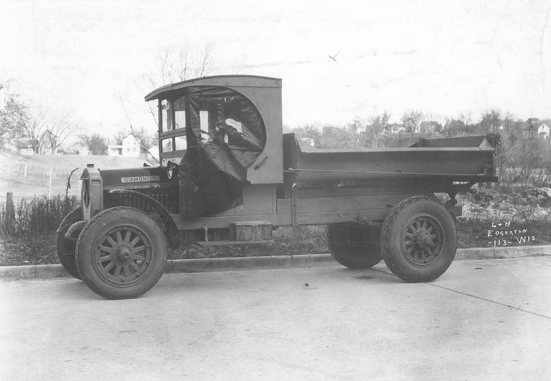 1920 Diamond T Truck from L+H Edgerton in Wisconsin. 