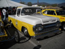 Mooneye's 1960 F-100 shop truck.