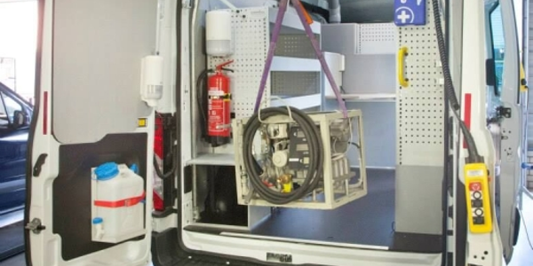 Photo of EasyLoad Hoist courtesy of National Fleet Products